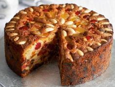 If you want a Christmas cake without sugary icing, trust Mary Berry to sort you out. This fruit cake is great for other occasions, too. Cake Decorated With Fruit, Victorian Cakes, Buckwheat Cake, Light Cakes, Best Fruits, Savoury Cake, Fruit Smoothies, Clean Eating Snacks, Gastronomia