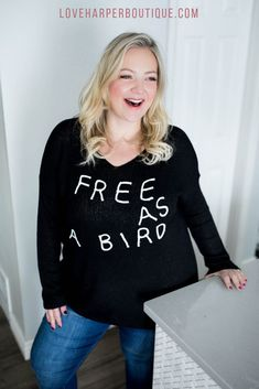 Spread your wings and break free in our cute and cozy 'Free As A Bird' sweater. Perfect for pairing with your favorite denim or leggings, this sweater is as cool as it is casually chic. Fashion Group, Curvy Fashion, Plus Size Fashion, Boho Fashion, Fashion Outfits, Style Fashion, Fall Fashion Trends, Autumn Fashion, Oversized Sweater Outfit