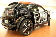 The new lightweight materials used in the comes with totally new repair processes. Learn how a BMW can be easily repaired Electric Motor, Electric Cars, Bmw I3 Rex, Bmw Design, Used Bmw, Bmw 1 Series, Car Insurance, Firefighter, Cutaway