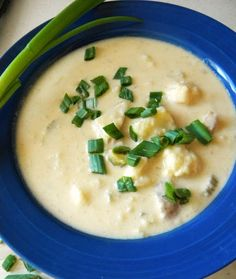 Hot Mess Cooking: Creamy Cauliflower and Potato Cheese Soup