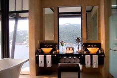 pencere önü ideal lavabo ve banyo