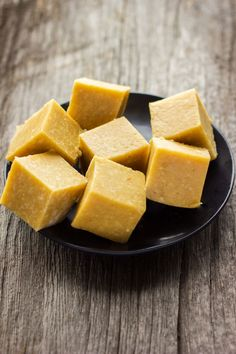 This vegan vanilla fudge is made with only 4 ingredients. These decadent protein bars are super chewy and tastier that anything you will find at the store.