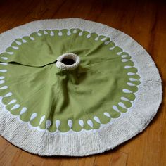 felt/chenille christmas tree skirt