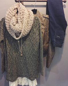 COZY KNITS // perfect for keeping you warm on these cool winter days ❄️ Olive Knit Pullover Sweater $40 | Lace Bottom Tank $40 | Popcorn Knit Infinity $20 | Rock Revival Basic Skinny $138 | Leather Moto Jacket $104  SHOP HOITY TOITY #shophoitytoity #htholiday
