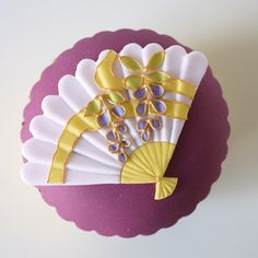 Art lovers and foodies rejoice! Japan now has cupcakes so beautiful that they should probably be considered works of art, but are in fact delicious hand-made goodies meant for eating.  But could they be SO beautiful, so detailed, so mesmerizingly dainty in Japanese styles and patterns, that it would be a waste or e ...
