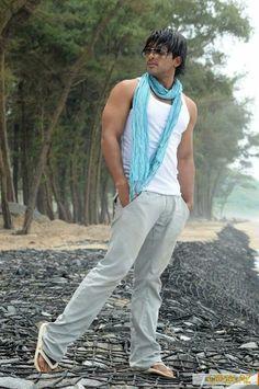 Sexy allu arjun on beach Allu Arjun Wallpapers, Allu Arjun Images, Galaxy Pictures, Actors Images, Most Beautiful Indian Actress, Telugu Movies, Hd Photos, Beautiful Eyes, Indian Actresses