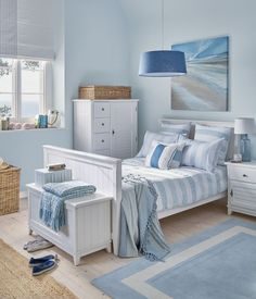 Coastal Bedroom Design and Decoration Ideas - For Creative Juice Seaside Bedroom, Beach House Bedroom, Nautical Bedroom, Coastal Bedrooms, Coastal Living Rooms, Beach House Decor, Bedroom Decor, Home Decor, Beach Houses