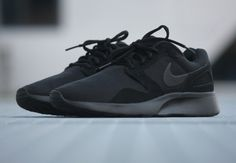 Nike Kaishi Run 'Triple Black'