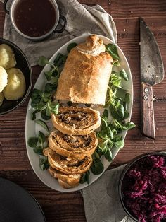 Vegan Stuffed Seitan Roast in Puff Pastry // If you are a bit more experienced in the kitchen, this roast has to be your next challenge. The crispy puff pastry and the rich and savory seitan together make a pleasant and satisfying recipe for Noel. | The Green Loot ... #vegan #Christmas