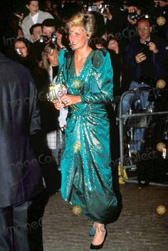 April 17, 1990: Princess Diana at The Royal Gala Premiere for The Hunt for Red October, at The Empire, Leicester Square, London. The premiere was in aid of the Prince's Trust and the Scottish International Education Trust Fund. Photo By:dave Chancellor-alpha-Globe Photos, Inc