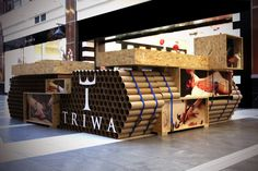 Once again mode:lina accepted a challenge, to create a temporary store for Swedish watch brand TRIWA.