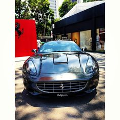 Well well, look what we have here, a Ferrari California