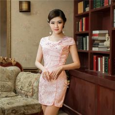 Floral-Vintage-Pink-Dress-Cheongsam-Mini-Oriental-Gown-Qipao-Short-Sexy-Chinese-Traditional-Dress-With-Embroidery.jpg 800×800 pixels