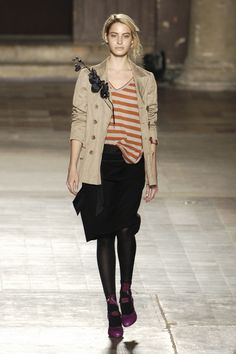 Dries Van Noten at Paris Fashion Week Fall 2005 - Runway Photos