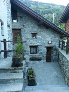 Antey Saint Andrè casa indipendente a Valle d'Aosta in Vendita