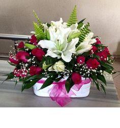 Kırmızı İnci, 74,90 TL + KDV, Ürün Kodu : NzA 227, Resim Üzerine Tıkla Hemen Adrese Gönder, tuzla çiçekçi, tuzla çiçek gönder, tuzla çiçek siparişi, tuzla çiçekçiler, tuzla çiçekçilik Red Rose Arrangements, Basket Flower Arrangements, Altar Flowers, Beautiful Flower Arrangements, Flowers Garden, Holiday Centerpieces, Floral Centerpieces, Ikebana, Beautiful Flowers Wallpapers
