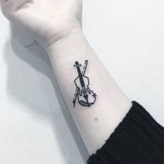 Violin Tattoo by Greemtattoo Tattoos Musik, Music Tattoos, Body Art Tattoos, Small Tattoos, Nerd Tattoos, Cello Tattoo, Sherlock Tattoo, Feather Tattoos, Nature Tattoos