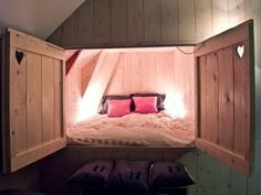 Aaaaw, I want to hide away in there.