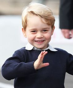 Prince George and Princess Charlotte wave goodbye to crowds as tour enters its final leg | Royal | News | Daily Express