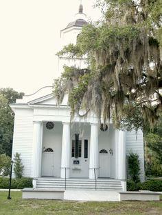 Edisto Presbyterian Church: Live Oaks, Southern History, and the Ghost of Julia Legare | CosmosMariners.com