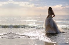 I really really want to do a trash-the-dress photoshoot at a beach. This will be pic #1 :)