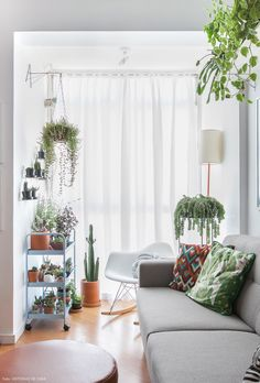 Home Interior Inspiration Bohemian Living Rooms, Living Spaces, Room Inspiration, Interior Inspiration, Interior Ideas, Home Interior, Interior Design, Room With Plants, Plant Rooms