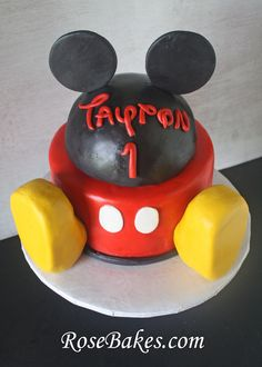 Mickey Mouse Clubhouse Cake.  I have been searching all over for help with this cake I have to do that is similar to this one. Very good tips