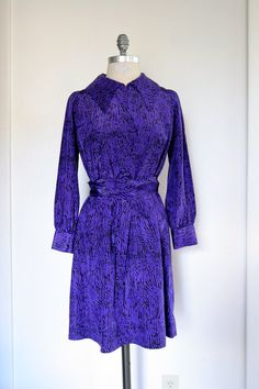 Vintage 1960s Shift Style Dress w Oversized Collar by dingaling, $46.00