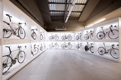 Pave bike shop in Barcelona