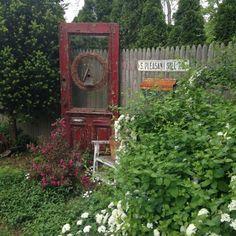 Prim Garden Vignette:
