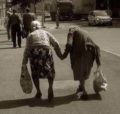 Повысили возраст выхода на пенсию.