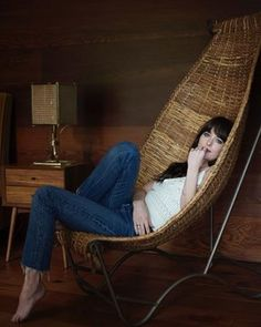 Share, rate and discuss pictures of Dakota Johnson's feet on wikiFeet - the most comprehensive celebrity feet database to ever have existed. Dakota Johnson Feet, Dakota Johnson Street Style, Dakota Mayi Johnson, Dakota Style, Living Room New York, Johnson House, Outdoor Furniture Design, Los Angeles Homes, Celebrity Houses