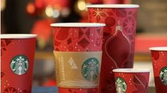 Los vasos de Starbucks se vuelven rojos por Navidad #Design #Packaging