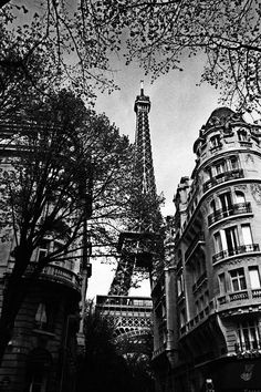 Eiffel Tower Black And White Photograph by Andrew Fare - Eiffel Tower Black And White Fine Art Prints and Posters for Sale