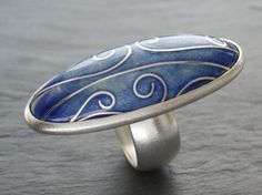 Ring | Anna Clark. 'Snowdrift'.  Sterling silver and Cloisonne enamel.