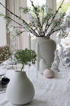 We've got all you need to create a beautiful tables cape this Easter. So decorate your Easter table with us, with an array of beautiful ceramic vases, candlesticks and Easter decorations we've just made the whole thing easier for you! This table took us only minutes, which leaves you more time to hunt for eggs! #eastertable