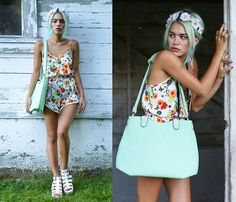 Girl Is Gun Romper, Girl Is Gun Floral Headband, La Moda Handbag, La Moda Chunky Sandals #modahiss #fashion