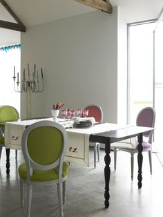 Dining Room Decor Ideas: Multicolored Seating