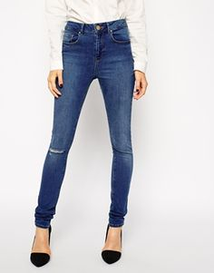 Enlarge ASOS Ridley Jeans in Mount Eden Wash with Ripped Knee