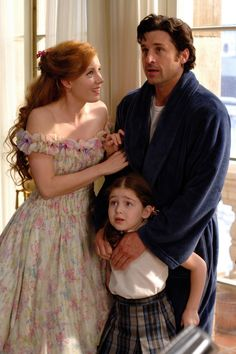*GISELLE (Amy Adams, MORGAN (Rachel Covey) & ROBERT (Patrick Dempsy) ~ Enchanted, 2007