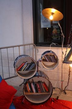 Old drumkit up-cycled to a stylish bookshelf. Made during Rec-ycling workshop in Manfredonia, Italy.