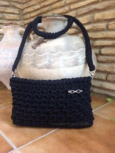 Bolso de trapillo negro by Crochet o ganchillo