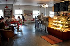 Kellokosken vanhan Ruukin alueella sijaitsee persoonallinen kahvila-ravintola Kinuskilla.