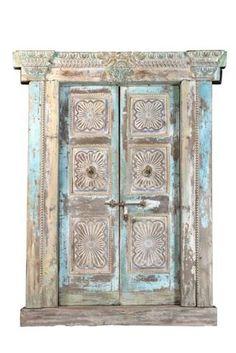 alte Tür indisch massives Holz Sheeshamholz bei Möbelhaus Düsseldorf