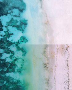 DAS WAR EINMAL EIN TRAUMSTRAND!🌊 (schau das Video unbedingt zu Ende!)  Letzten Herbst bereisten wir Indonesien.🌴 Wie sehr haben wir uns auf Lombok gefreut! Traumstrände und tolle Wellen zum Surfen haben wir uns vorgestellt.🌊 Die Realität sah dann leider anders aus...🤯 Also doch, Traumstrände gab es auf jeden Fall. Nur glichen sie zu unserer Reisezeit leider wirklich ausnahmslos einer Müllhalde…❌ Wir waren zutiefst schockiert!💔  Deshalb nehmen wir den heutigen #worldoceansday zum… Lombok, Strand, Abstract, Artwork, Instagram, Indonesia, Surf, Waves, Fall