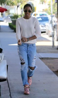 Splurge: Kelly Rowland's Los Angeles Buscemi Gold Tone Clasp Padlock Detail Bubble Gum Pink Lace-Up Sneakers