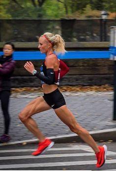Shalane Flanagan nearing finish in NYC Marathon First USA female win in 40 Years Shalane Flanagan, New York Marathon, Boston Marathon, Olympic Runners, Female Surfers, Running Photos, Fitness Models, Hot Cheerleaders, Olympic Athletes
