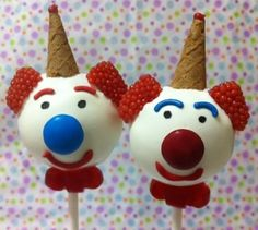 Clown Cake Pops for a Circus Themed Birthday Party.