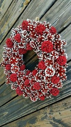 Christmas Wreath, Holiday Wreath, Pine Cone Wreath, Red and .- Christmas Wreath Holiday Wreath Pine Cone Wreath Red and Easy Christmas Crafts, Elegant Christmas, Noel Christmas, Simple Christmas, Christmas Projects, Christmas Ornaments, Christmas Bowl, Pine Cone Christmas Tree, Christmas Ideas
