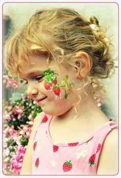 Facepainting Strawberries